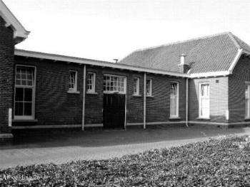 De voormalige achteringang van de brigade anno 2005 (Voormalig Hospitaal)